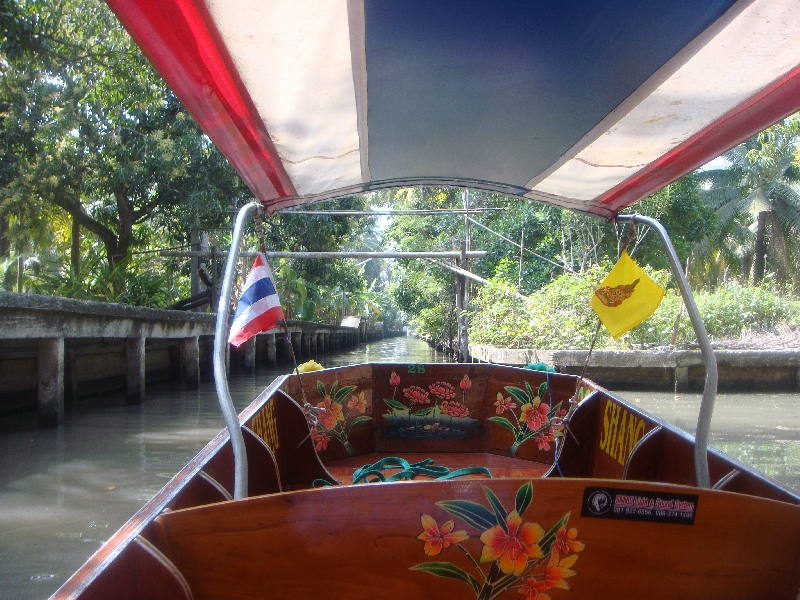 The Floating Market at Damnoen Saduak Thailand Story Sharing