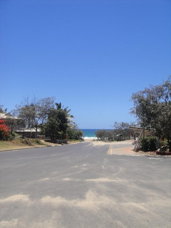 Eurong Beach Resort esplanade, Australia