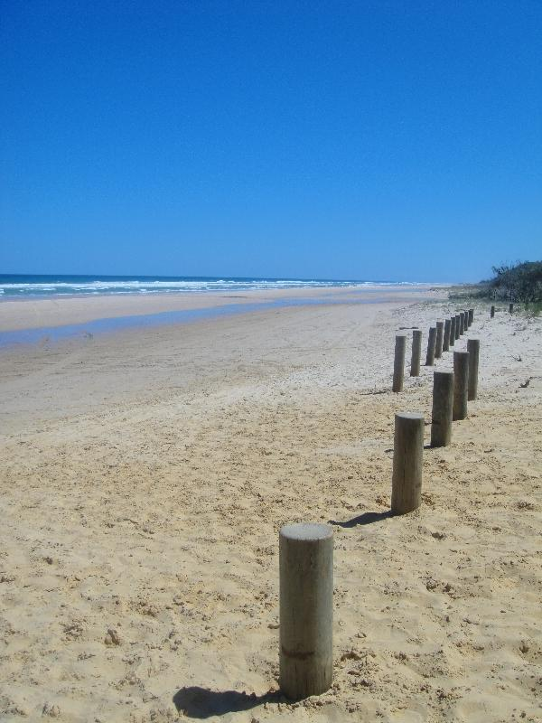 The Seventy Five Mile Beach @ Pinnacles, Hervey Bay Australia