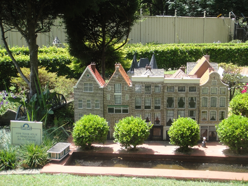 Dutch miniatures in NSW, Australia