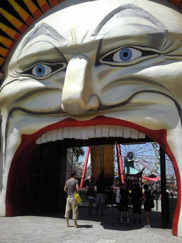 Melbournes big clowns mouth, Melbourne Australia