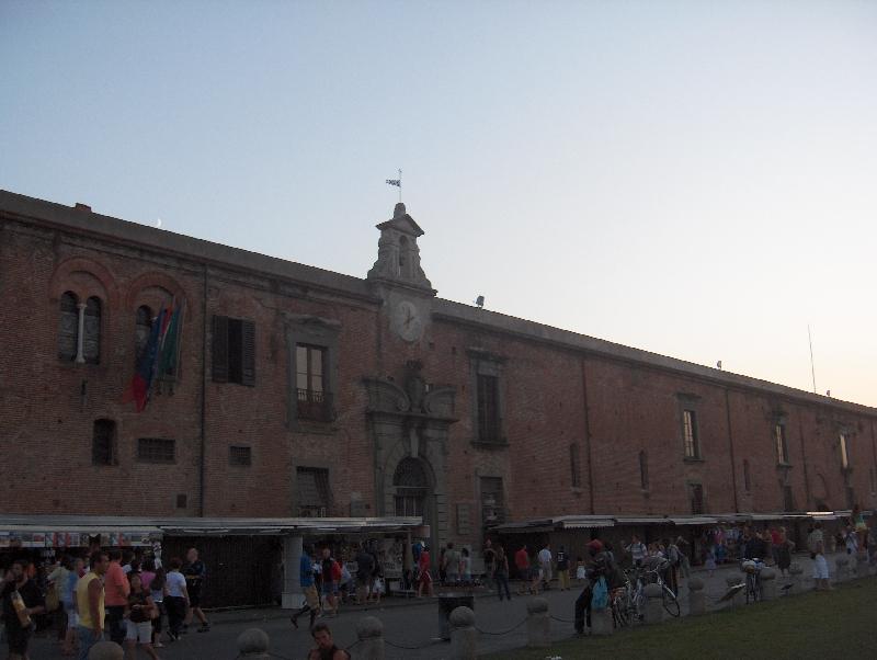 Piazza del Duomo souvenir shops, Italy