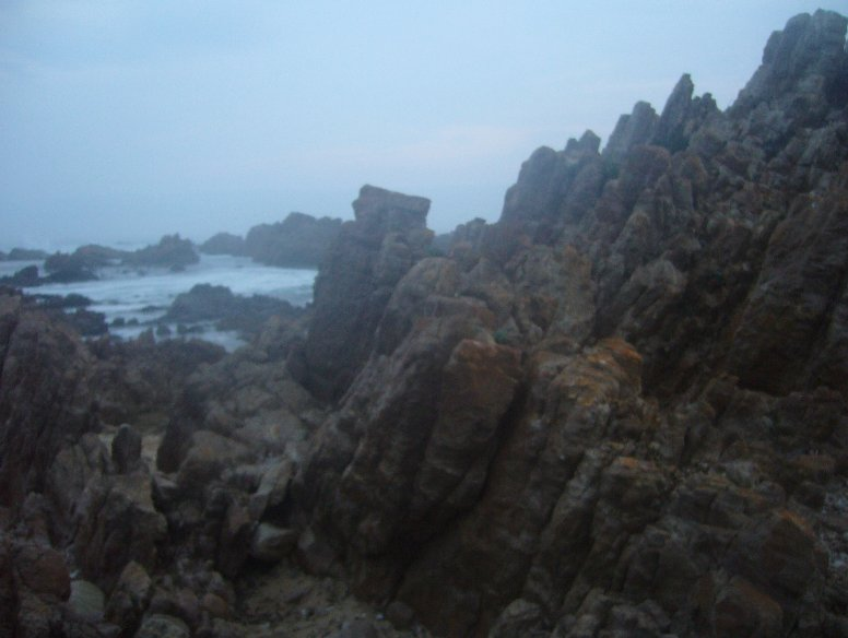 Photos of the steep cliffs in Buffalo Bay, Knysna South Africa