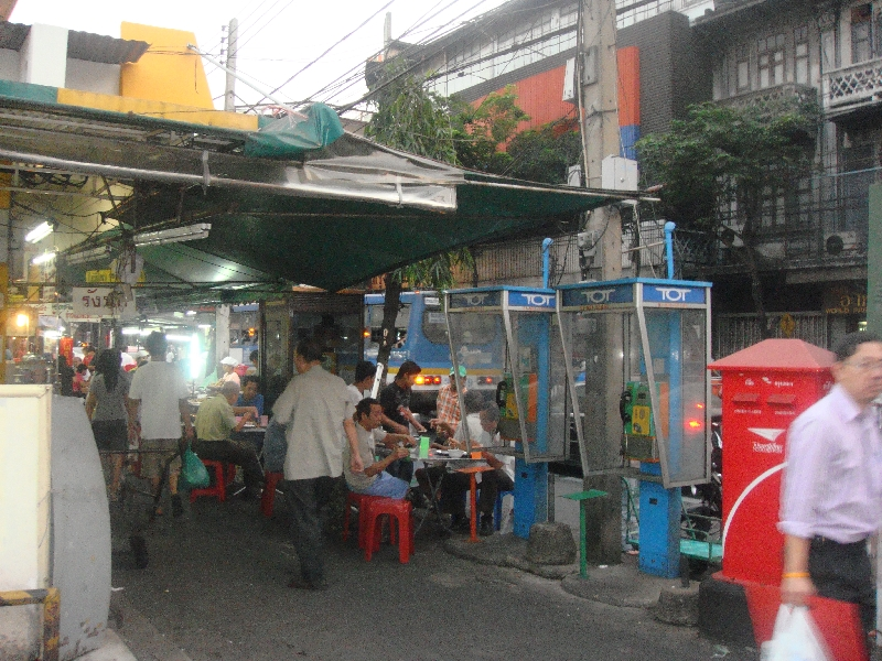 People eating on the streets in Bangkok, Bangkok Thailand