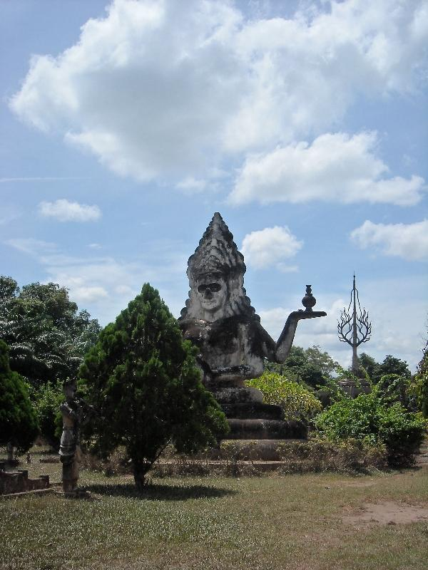 Photo's of Hindu and Buddhist statues, Laos