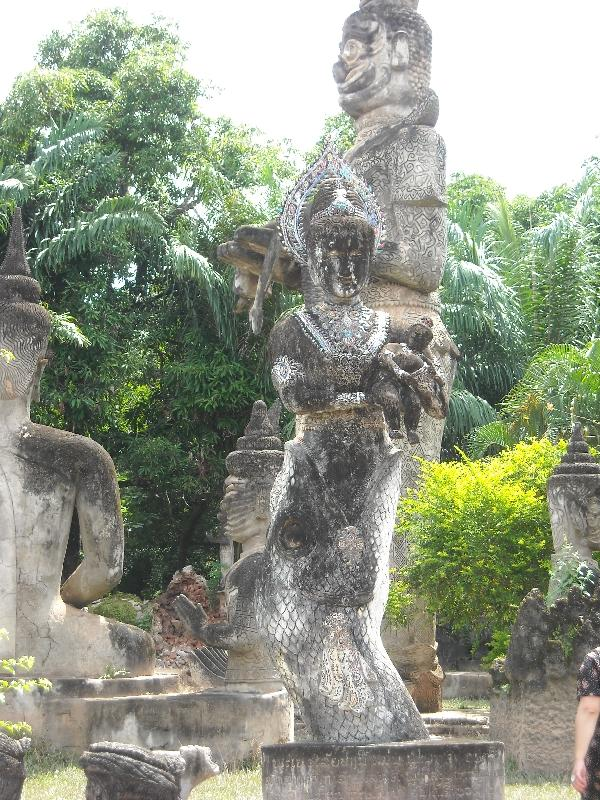 Photo's of the statues in Vientiane, Laos