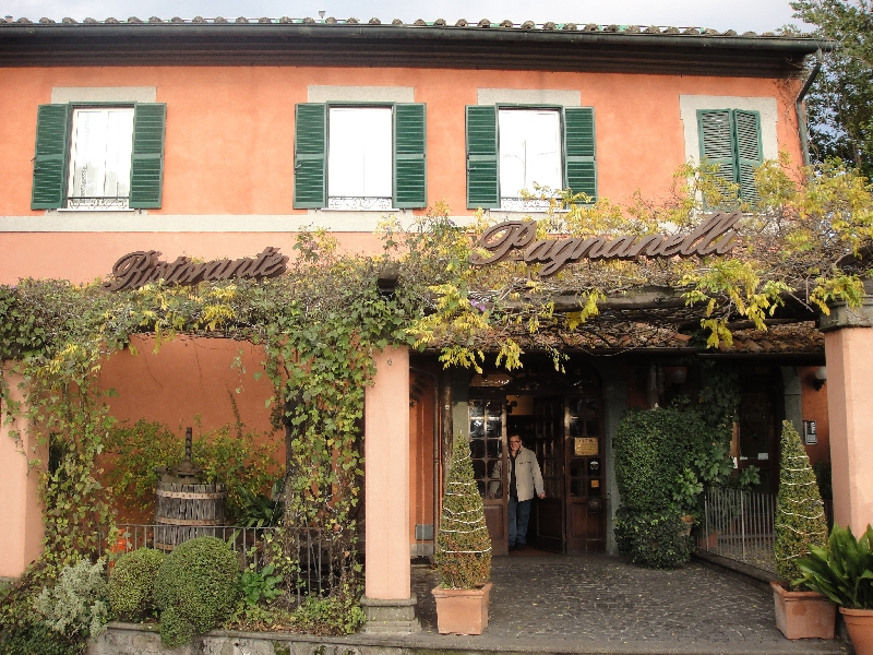 Castel Gandolfo Italy The Pagnanelli restourant entrance