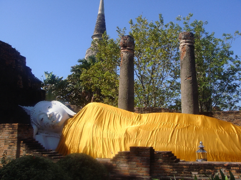 Pictures of the reclining Buddha, Ayutthaya Thailand
