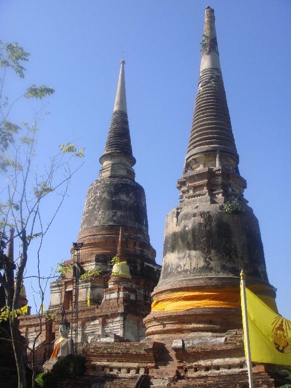 Impressive chedi's at Wat Yai Chaimonkhol, Thailand