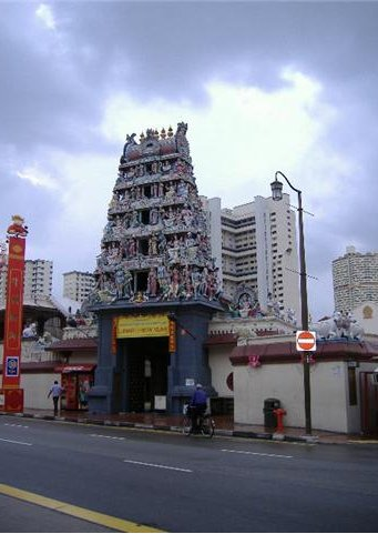 Pictures of the Shi Mariamman Temploe, Singapore