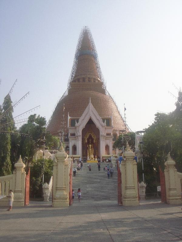 Phra Pathom Chedi in Nakhon Pathom, Thailand