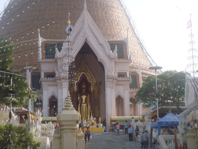 The entrance of Phra Pathom Chedi, Thailand