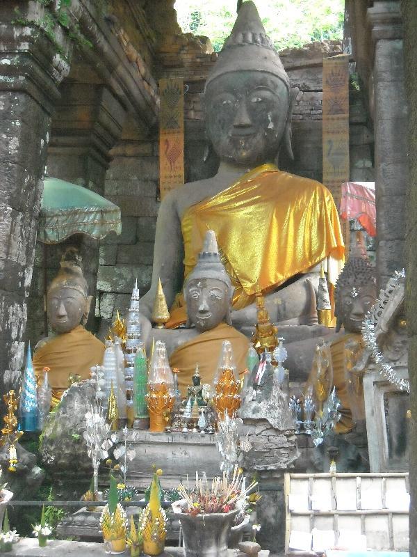 Preah Vihear Cambodia Religious statues in Cambodia