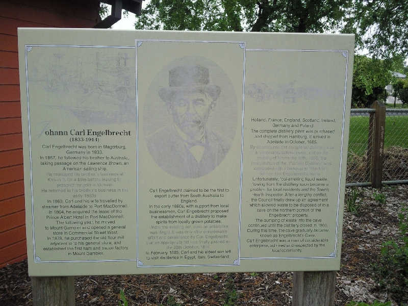 Sign Engelbrecht Cave, Australia