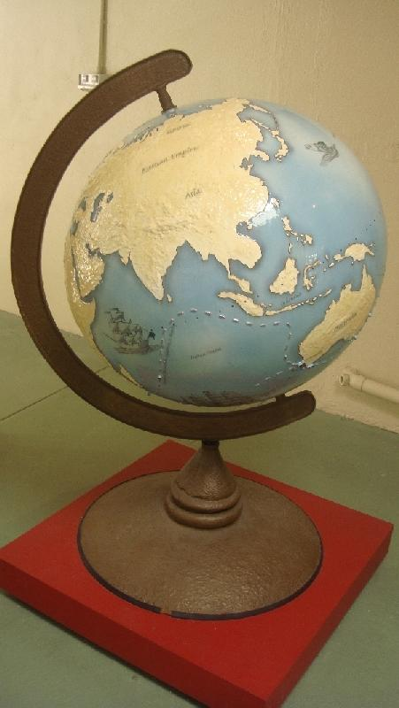 Globe with the prisoners journey, Australia