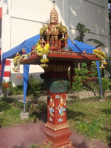Altar on Thanon Rachadamnoen Klang, Bangkok Thailand