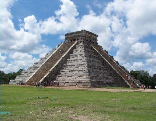 El Castillo temple pyramid, Chichen Itza, Mexico