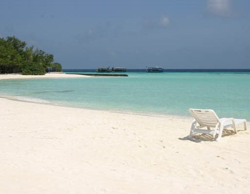 Photos of Moofushi on Ari Atoll, Maldives