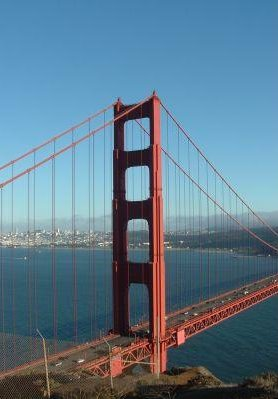 Photo of the Golden Gate Bridge, Hollywood United States