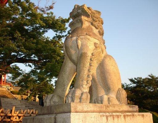 Japanese lion statue, Tokyo Japan