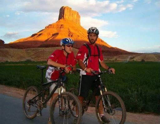 Cycling through Monument Valley, Grand Canyon United States