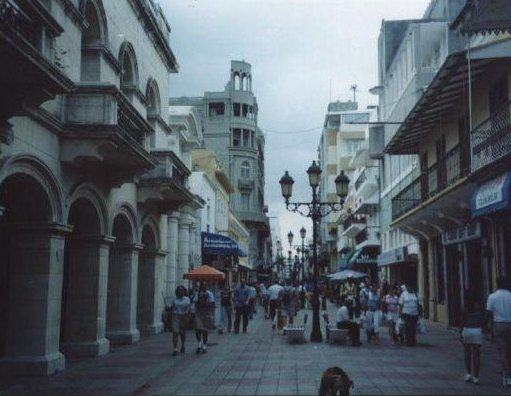 El Conde street in Santo Domingo, Dominican Republic