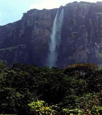 Photos of the tallest waterfall in the world, Salto Angel. Canaima
