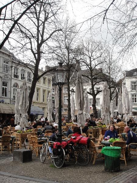 Square Onze-Lieve-Vrouwe-Plein in Maastricht, Holland, Netherlands