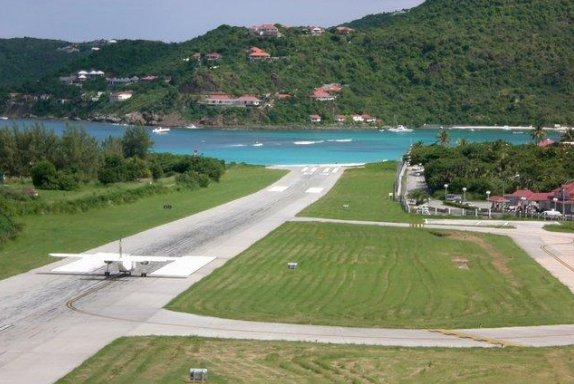 Airport photos of Saint Barthelemy, Saint Barthelemy