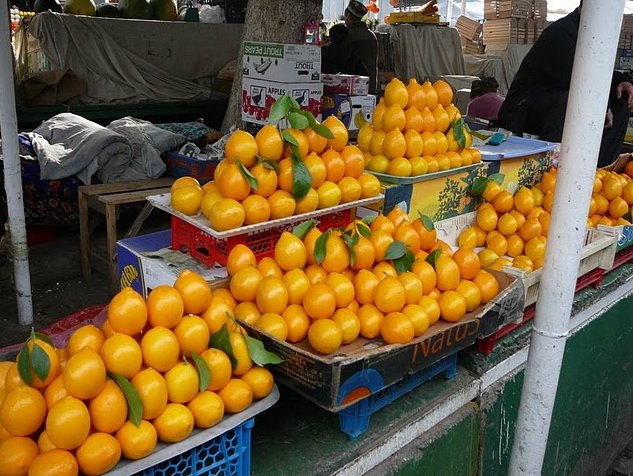 Tajik lemons and oranges on the market, Tajikistan
