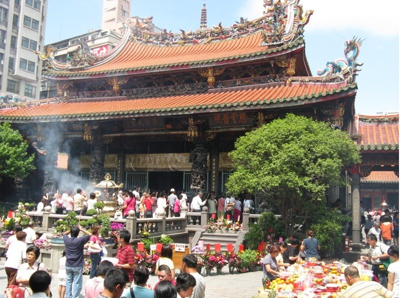 Pictures of Longshan Temple in Taipei, Taiwan, Taiwan