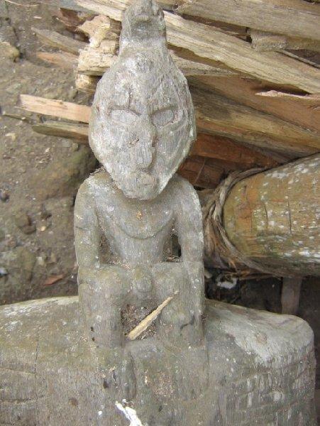 Statue in Papua New Guinea, Papua New Guinea
