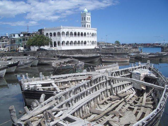 Le Moroni Hotel Comoros Album Sharing