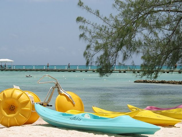 Cayman Islands all inclusive honeymoon George Town Photographs