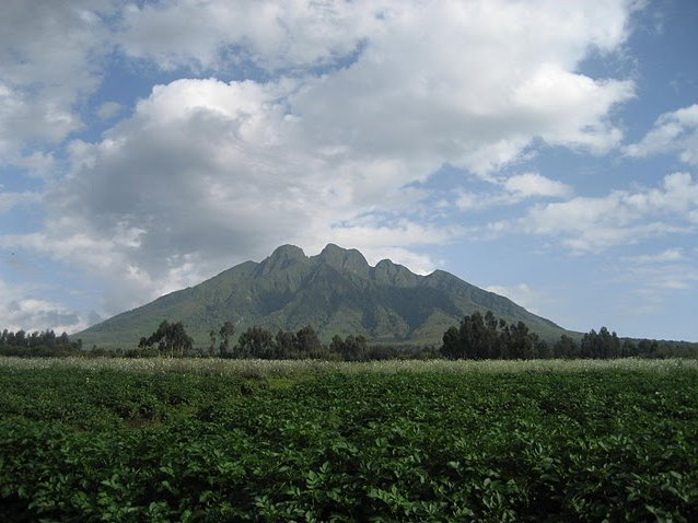 Photo Rwanda Volcanoes National Park situated