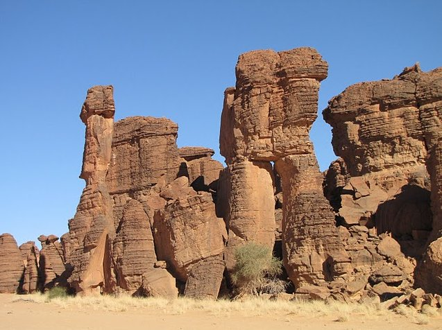 Ennedi Desert Safari in Chad Vacation Information