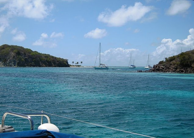 Photo Saint Vincent and the Grenadines sailing returned