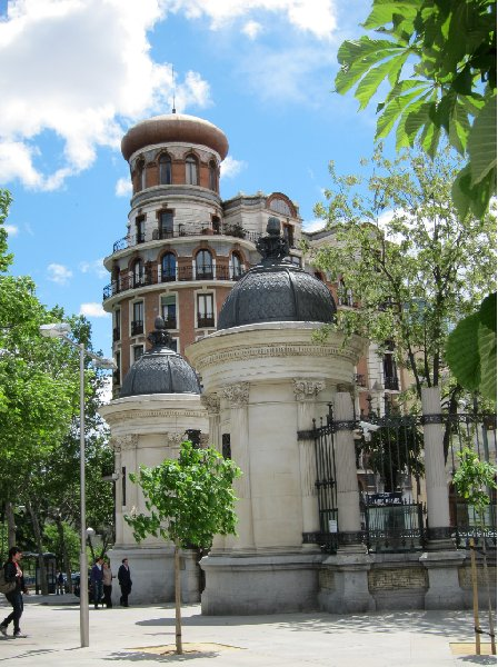 Round trip Spain: Madrid Trip Adventure