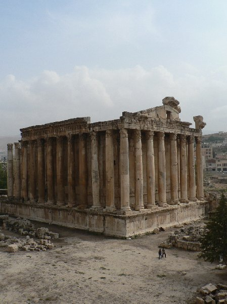 Photo The Roman temple ruins of Baalbek complex