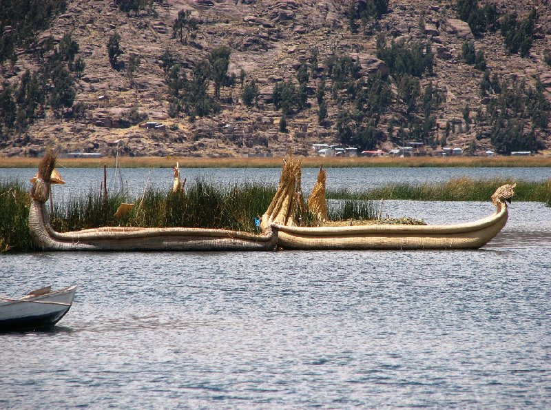 Photo Puno floating islands accessible
