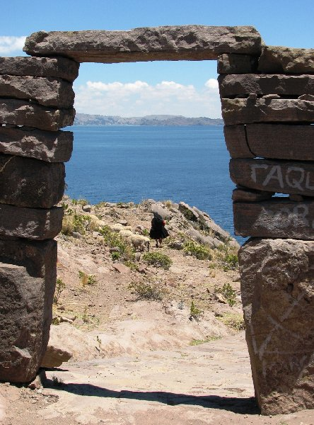 Photo Taquile Island Lake Titicaca clothing
