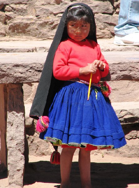 Photo Taquile Island Lake Titicaca knitting
