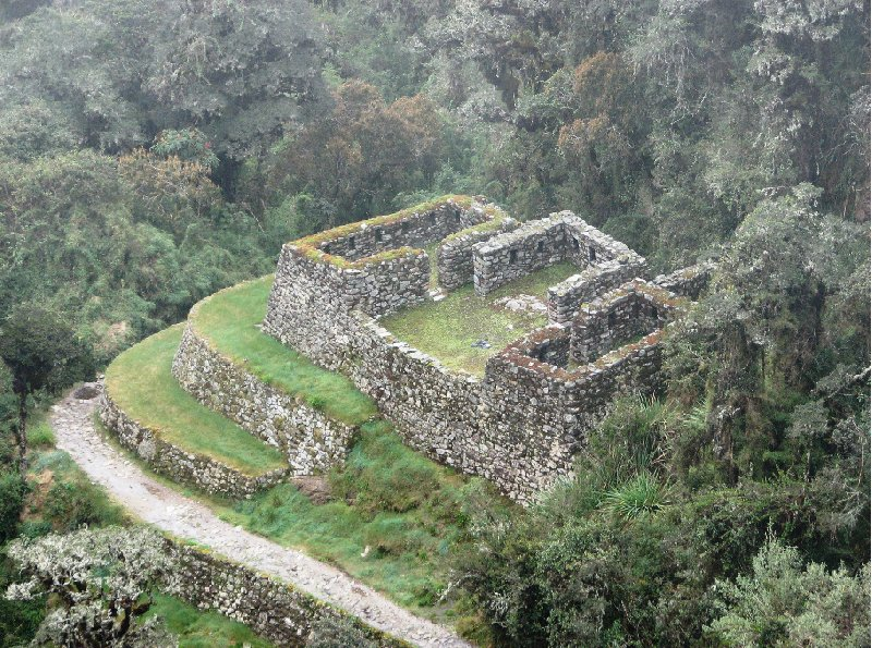 Photo Inca trail to Machu Picchu Peruvian