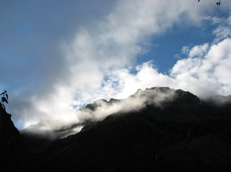Photo Inca trail to Machu Picchu starts