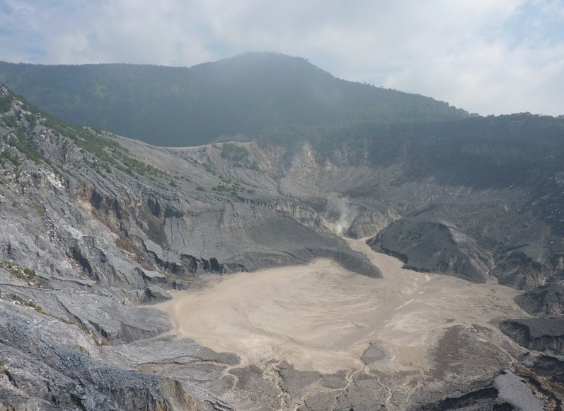 Photo Tangkuban Perahu Volcano Bandung attractions