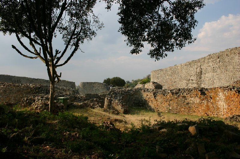 Photo Great Zimbabwe ruins crossed
