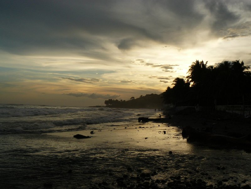 Playa El Tunco El Salvador Travel Photo