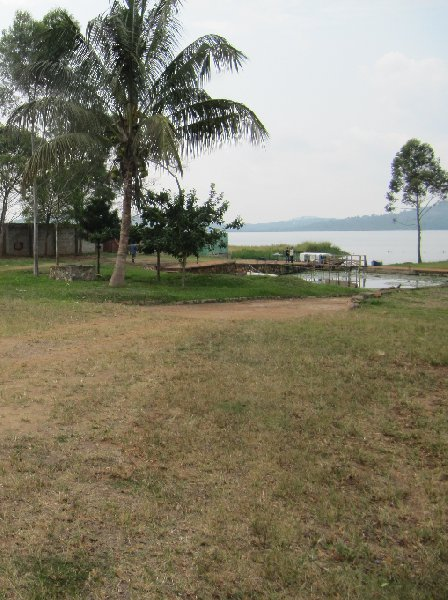 Photo Lagoon Resort Kampala landed