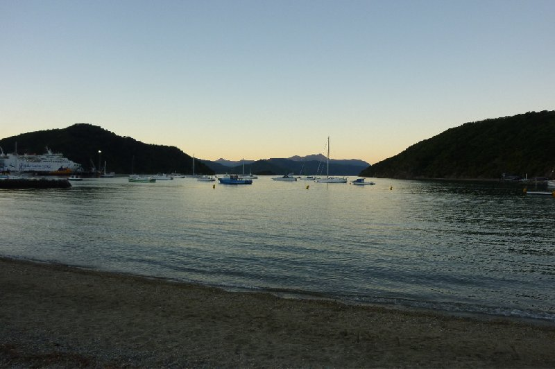 Photo Tour Picton New Zealand landscape