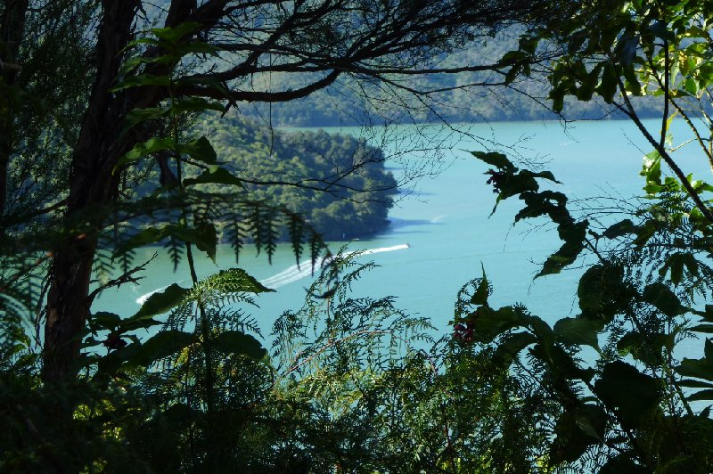 Photo Tour Picton New Zealand valleys
